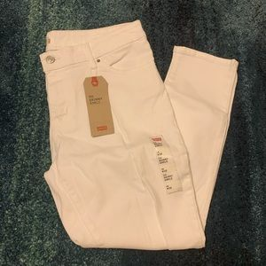 NWT  Levi's 711  Skinny Ankle Jeans